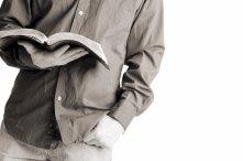 bible-reading-guy-782907